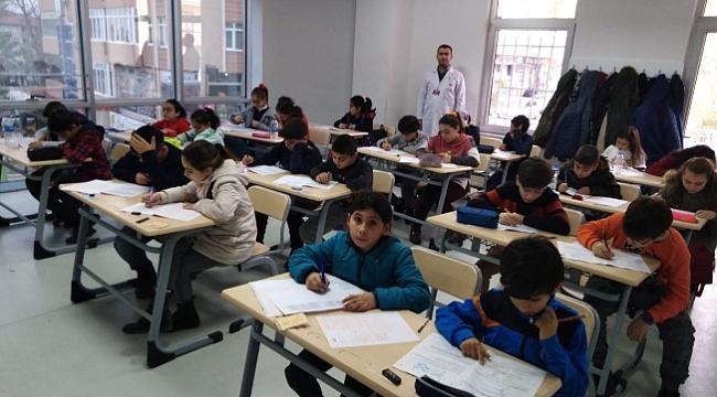 Darıca Uğur Okulları bursluluk sınavına yoğun ilgi
