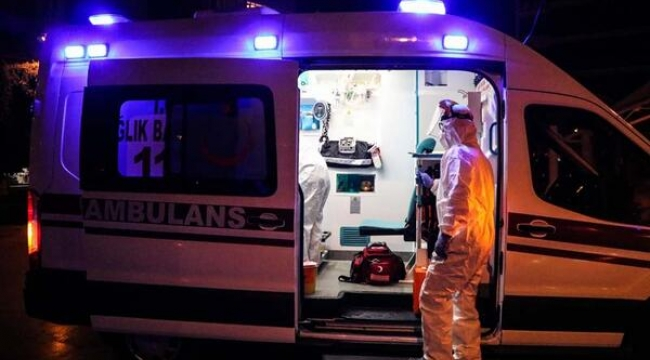 Gebze'de viyadükten atlamak isteyen vatandaşı polis ikna etti