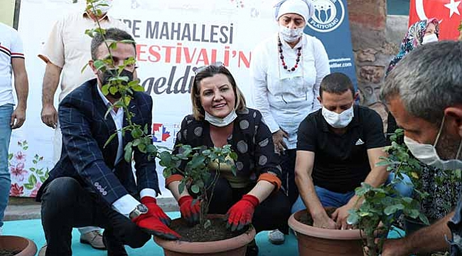 İzmit'te gül kokulu festival