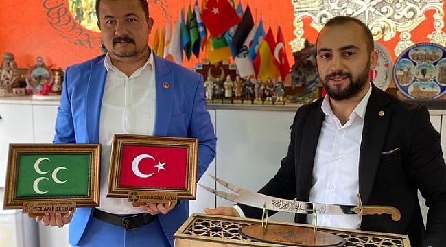 Genç iş adamı Ertaş'tan MHP'li Berber'e anlamlı ziyaret!