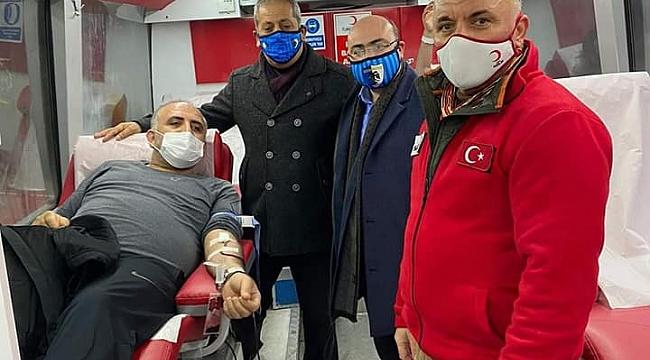 Başkan Ufuk Acay'dan Kızılay'ın kan toplama aracına ziyaret!