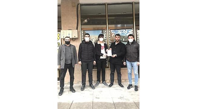 AK Genç Çayırova'da üye çalışmaları tam gaz!