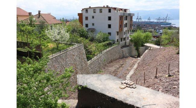 Mezarlıklara yeni parka yollar yapılıyor
