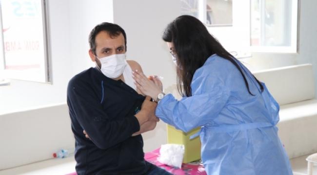 Gebze Sanayi'de 3 günde 2 bin kişi aşılandı!