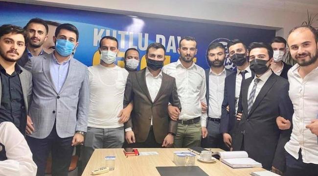 Baki Özdemir'den AK Genç Darıca'ya tam destek!