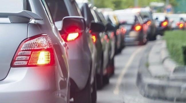 Kocaeli'de yarım milyon araç trafikte!