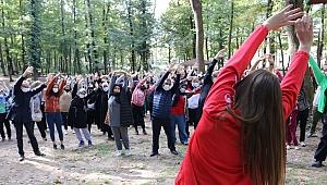 Dünya Yürüyüş Günü'nde Ormanya'da spor yaptılar
